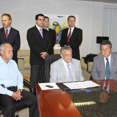 Assinatura de Convênio com a Universidade de Girona – Fev/2013